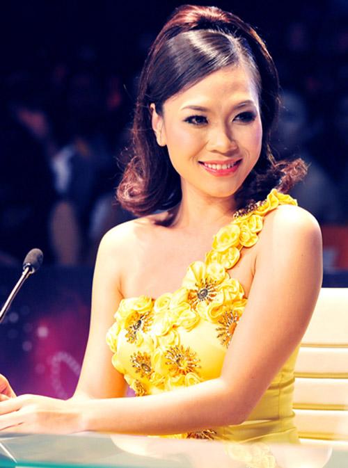 """Ngắm vẻ đẹp qua năm tháng của 4 """"nữ hoàng"""" showbiz Việt 34"""
