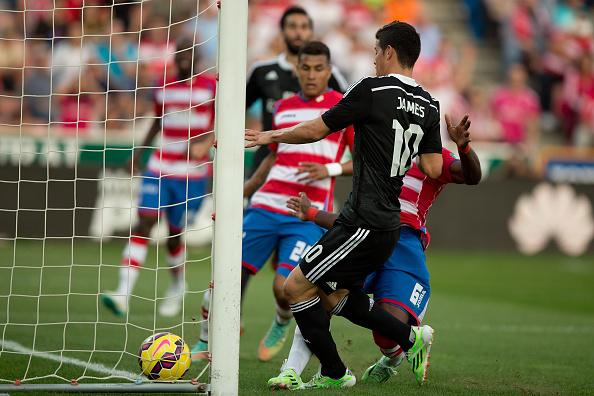 Chiến thắng hoành tráng, Real lần đầu lên ngôi đầu bảng La Liga 2