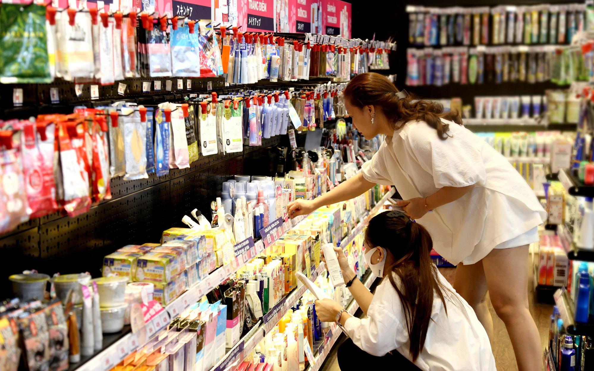 Đọc ngay bí kíp săn sale tuyệt đỉnh thời Covid để sắm hàng trăm mỹ phẩm Nhật giá cực hời