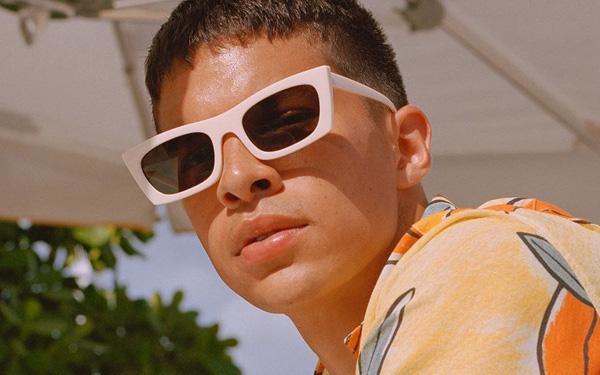 """""""Bóc tem"""" những chiếc mắt kính từ 559k, khiến phong cách của bạn thăng hạng bội phần"""