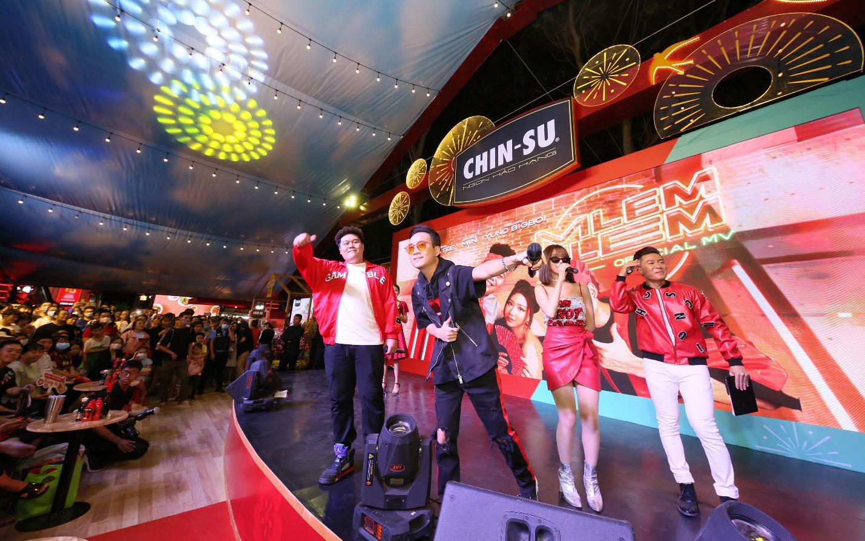 Min - JustaTee - Yuno BigBoi khuấy đảo Lễ hội Tết Việt 2021, cùng fan thưởng thức đại tiệc ẩm thực 3 miền bùng vị Tết!