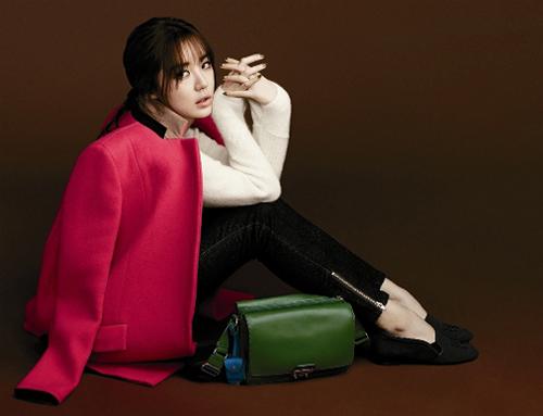 Thùy Trang tự tin tại họp báo Asia's Next Top Model 12