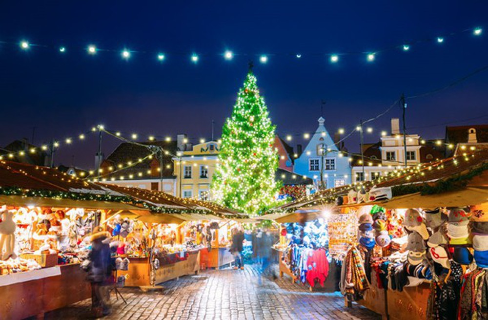 Những khu chợ Giáng sinh đẹp như cổ tích trên khắp thế giới - Ảnh 28.