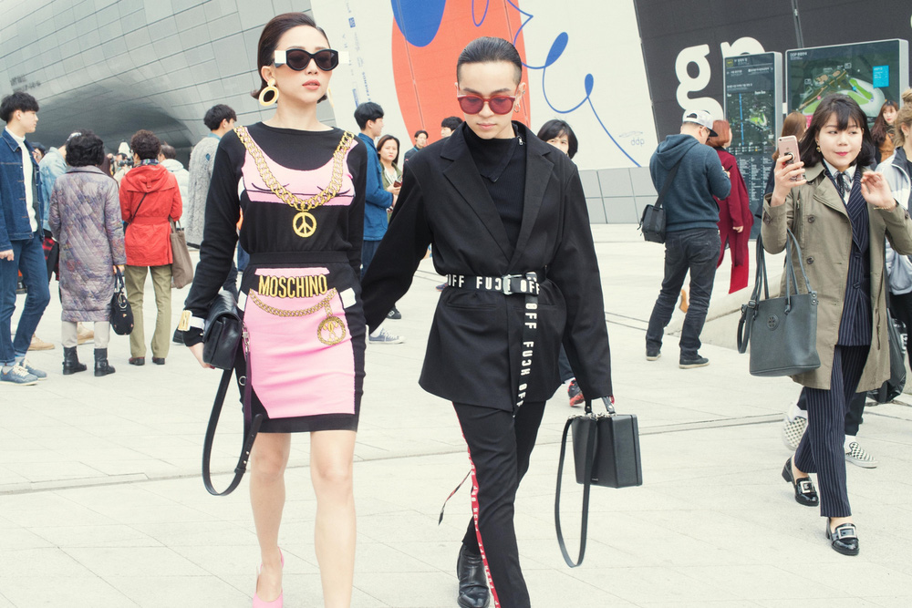 Tóc Tiên và Kelbin Lei xung trận Tuần lễ thời trang Seoul với phong cách chất lừ - Ảnh 2.
