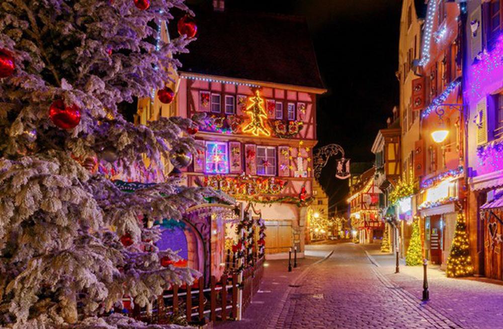 Những khu chợ Giáng sinh đẹp như cổ tích trên khắp thế giới - Ảnh 4.