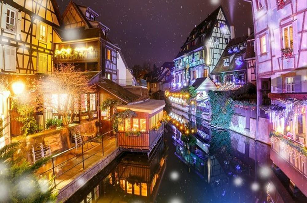 Những khu chợ Giáng sinh đẹp như cổ tích trên khắp thế giới - Ảnh 5.