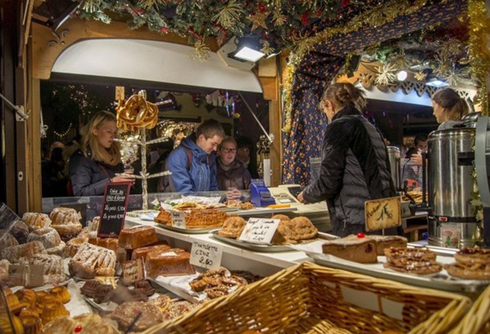Những khu chợ Giáng sinh đẹp như cổ tích trên khắp thế giới - Ảnh 6.