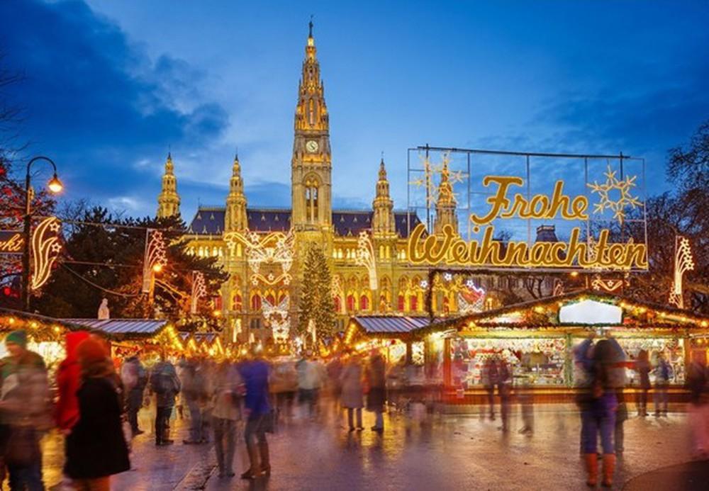 Những khu chợ Giáng sinh đẹp như cổ tích trên khắp thế giới - Ảnh 9.