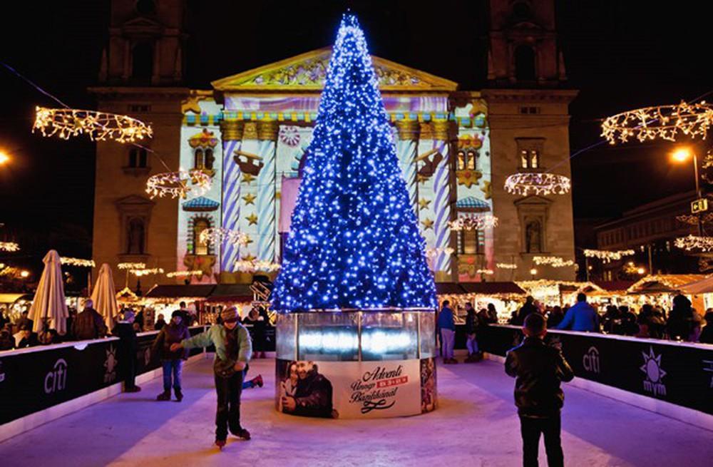 Những khu chợ Giáng sinh đẹp như cổ tích trên khắp thế giới - Ảnh 10.