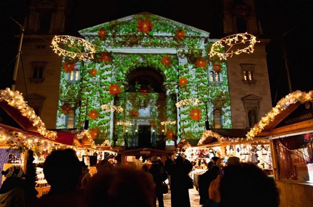Những khu chợ Giáng sinh đẹp như cổ tích trên khắp thế giới - Ảnh 12.