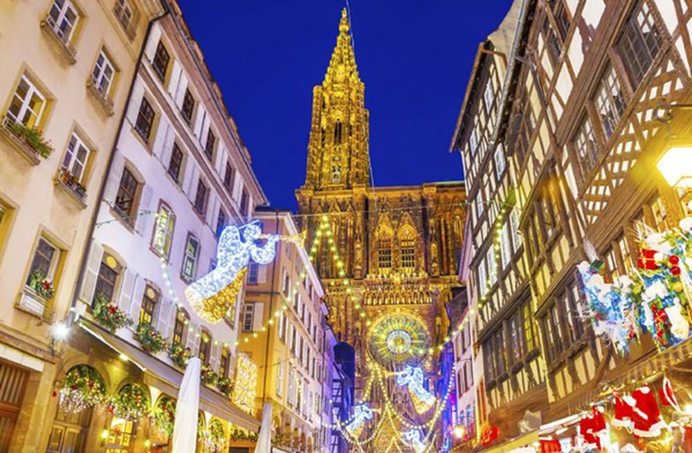 Những khu chợ Giáng sinh đẹp như cổ tích trên khắp thế giới - Ảnh 13.