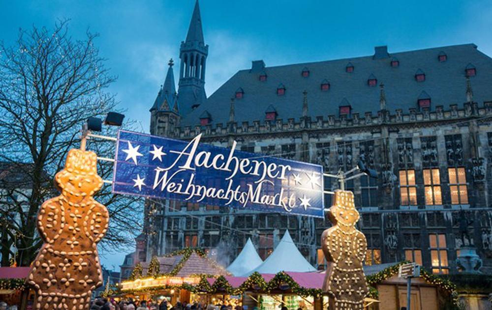 Những khu chợ Giáng sinh đẹp như cổ tích trên khắp thế giới - Ảnh 19.