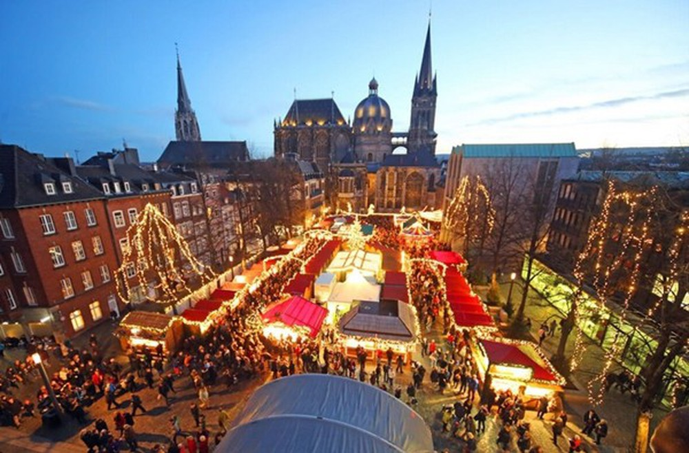 Những khu chợ Giáng sinh đẹp như cổ tích trên khắp thế giới - Ảnh 20.