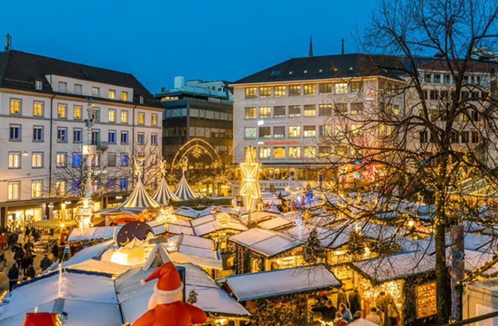 Những khu chợ Giáng sinh đẹp như cổ tích trên khắp thế giới - Ảnh 22.