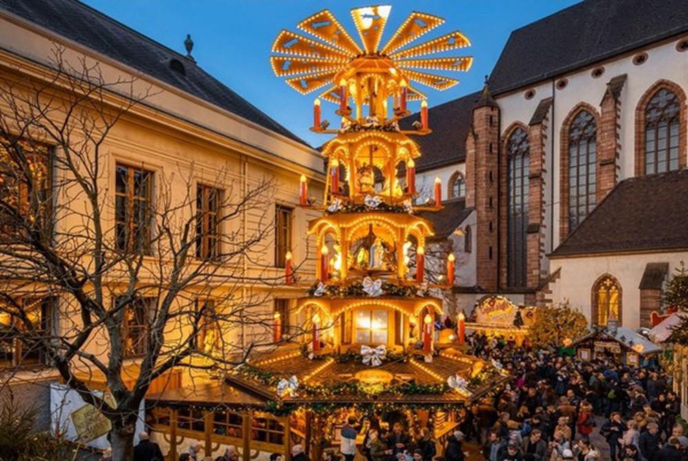 Những khu chợ Giáng sinh đẹp như cổ tích trên khắp thế giới - Ảnh 23.