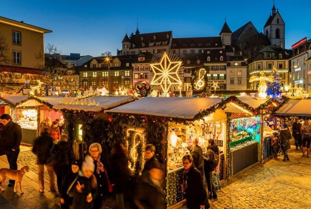 Những khu chợ Giáng sinh đẹp như cổ tích trên khắp thế giới - Ảnh 24.