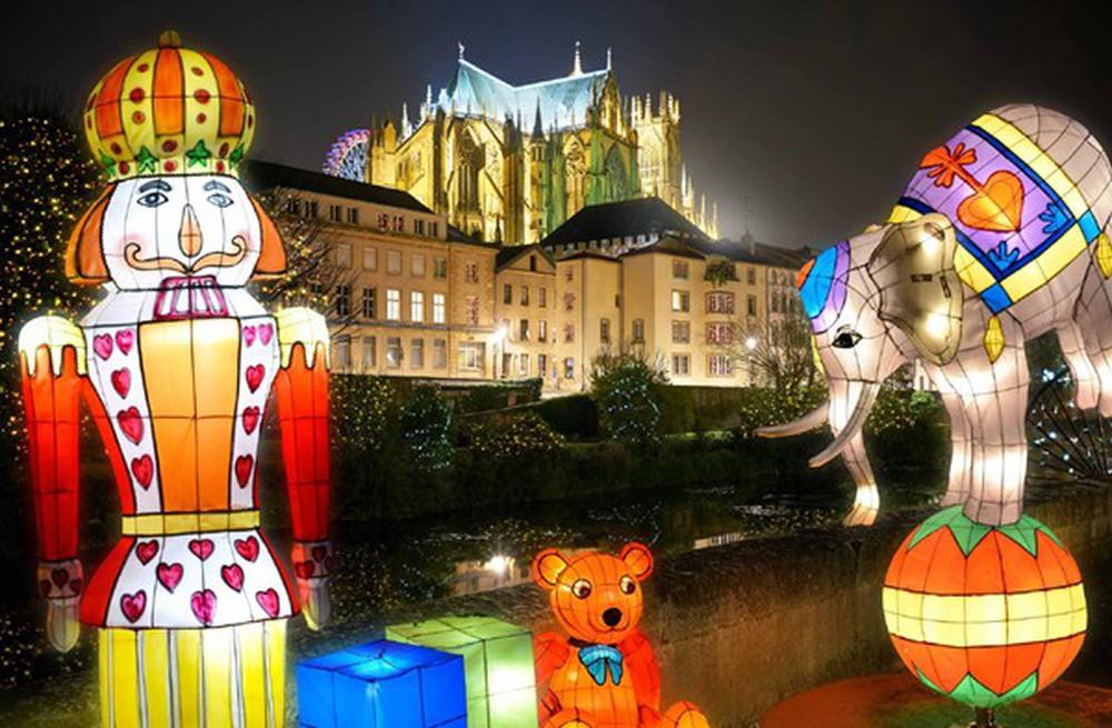 Những khu chợ Giáng sinh đẹp như cổ tích trên khắp thế giới - Ảnh 25.