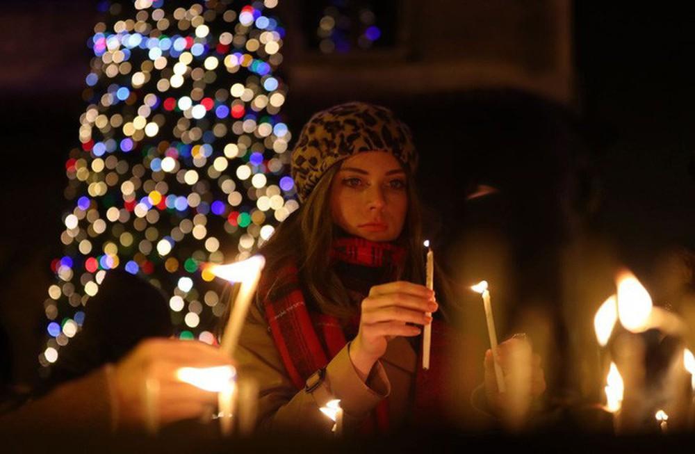 Cận cảnh Giáng sinh rộn ràng khắp thế giới - Ảnh 3.