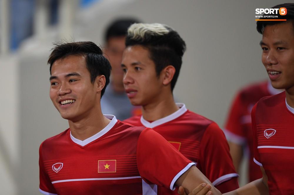 Văn Toàn tươi rói trong ngày trở lại, tuyển Việt Nam đón nhiều tin vui trước trận gặp Philippines - Ảnh 2.