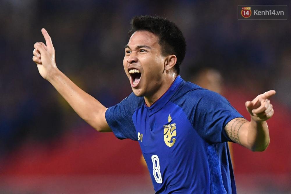 Cầu thủ Thái Lan suy sụp, đổ gục xuống sân sau thất bại đau đớn trước Malaysia - Ảnh 16.