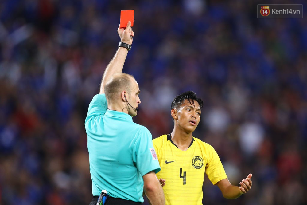 Cầu thủ Thái Lan suy sụp, đổ gục xuống sân sau thất bại đau đớn trước Malaysia - Ảnh 20.