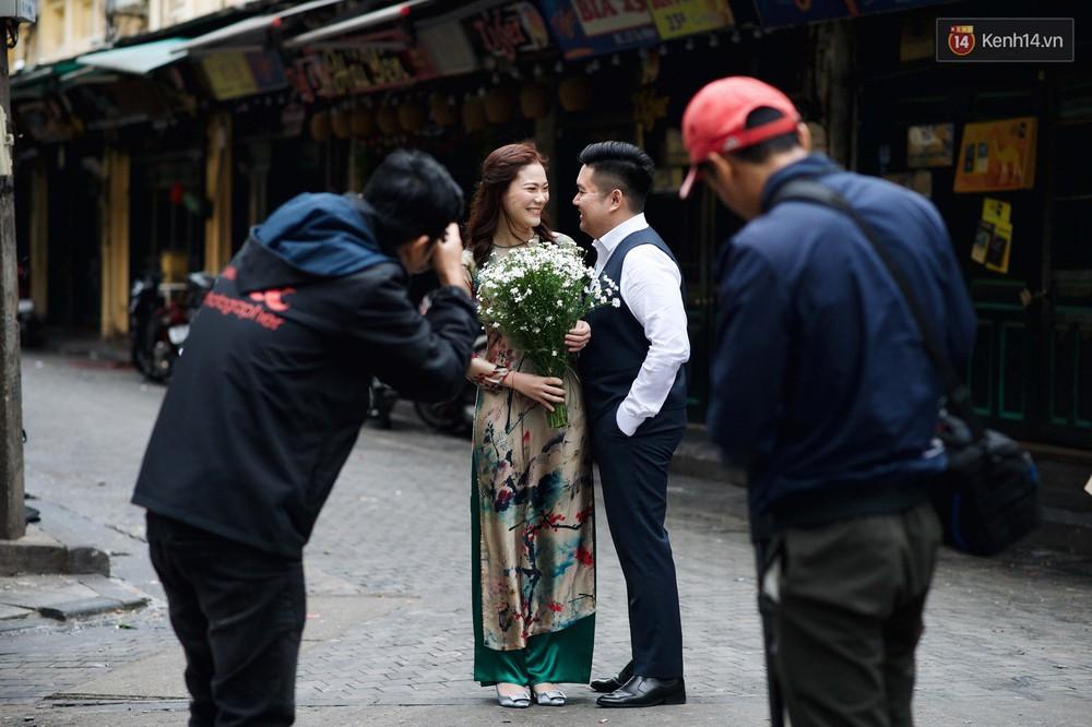 Nhiệt độ giảm sốc, Hà Nội rét đậm 15 độ: Mùa hè bất tận của năm 2018 đã kết thúc thật chứ? - Ảnh 7.