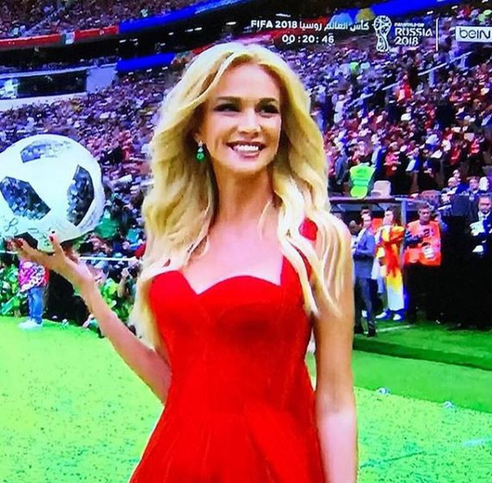 Hoa hậu, siêu mẫu và những cô gái Nga hút ánh nhìn trong lễ khai mạc World Cup 2018 - Ảnh 5.