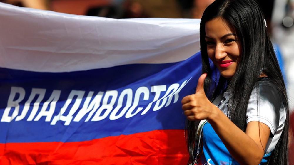 Hoa hậu, siêu mẫu và những cô gái Nga hút ánh nhìn trong lễ khai mạc World Cup 2018 - Ảnh 8.