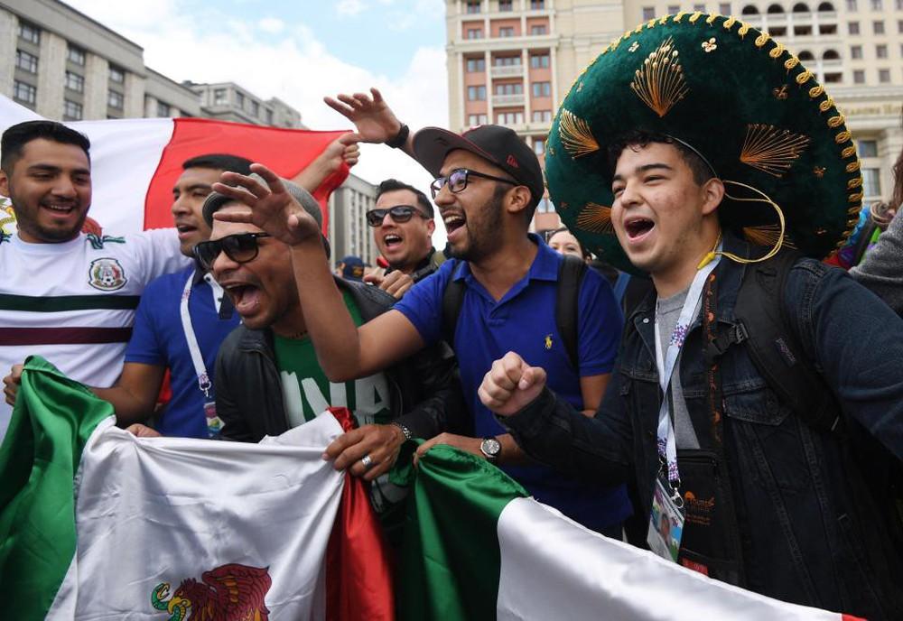 Fan thế giới tạo ra bầu không khí lễ hội ở Nga trong ngày khai mạc World Cup 2018 - Ảnh 6.
