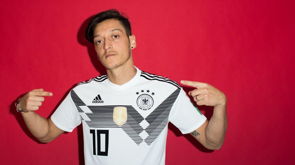 Ảnh chân dung cực nét của Ronaldo, Messi, Neymar và các ngôi sao lớn nhất World Cup 2018 - Ảnh 11.