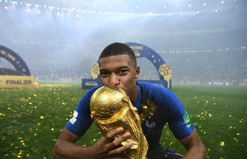 15 bức ảnh biểu tượng của một World Cup 2018 đầy cảm xúc - Ảnh 15.