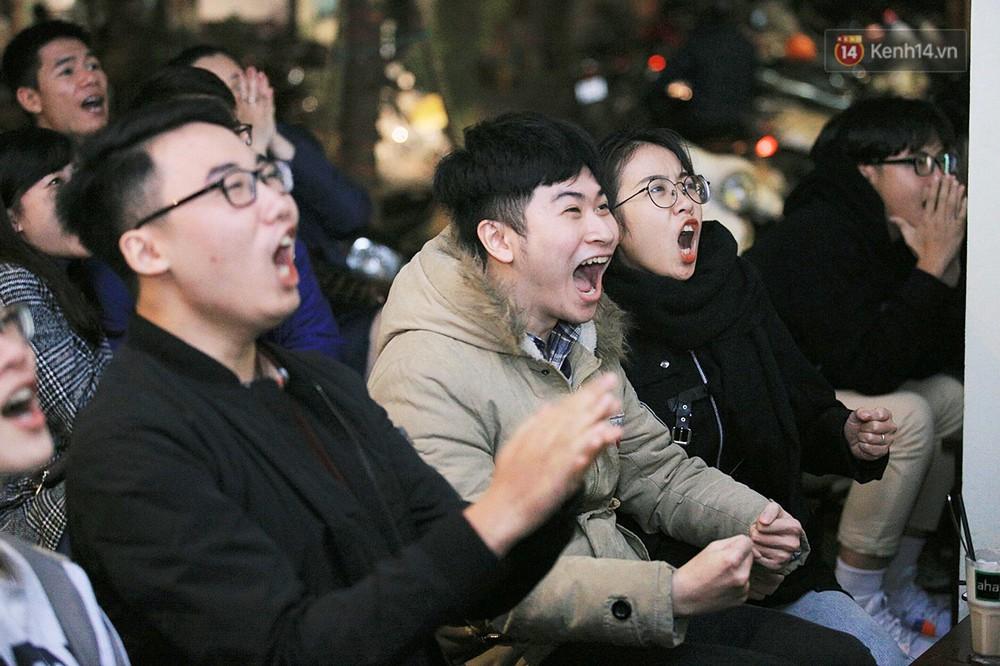 120 phút khó quên: Những cảm xúc từ hụt hẫng, thót tim đến vỡ òa hạnh phúc của người hâm mộ trong trận thắng lịch sử của ĐT Việt Nam - Ảnh 8.
