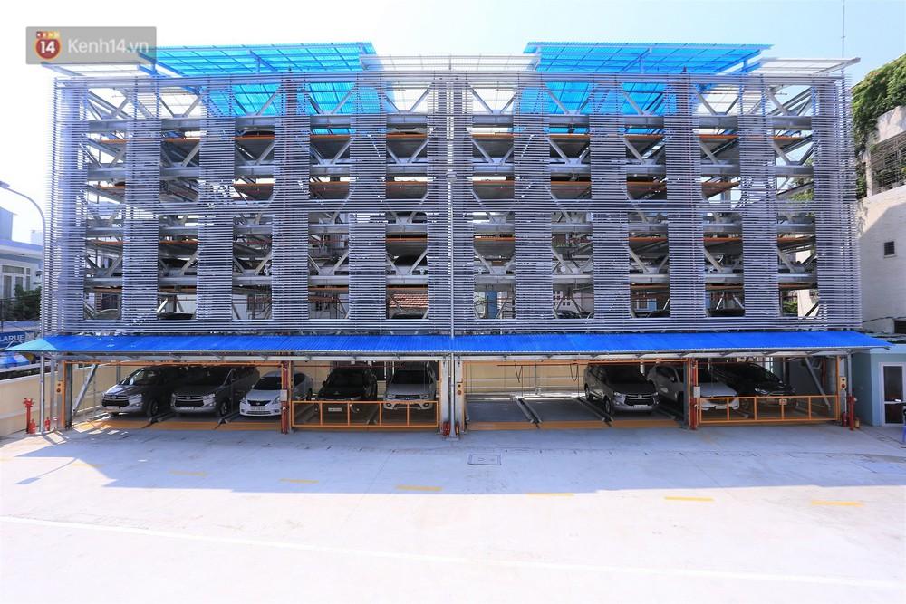 Cận cảnh bãi đỗ xe 6 tầng thông minh, tự động xếp hình đầu tiên ở Đà Nẵng - Ảnh 1.