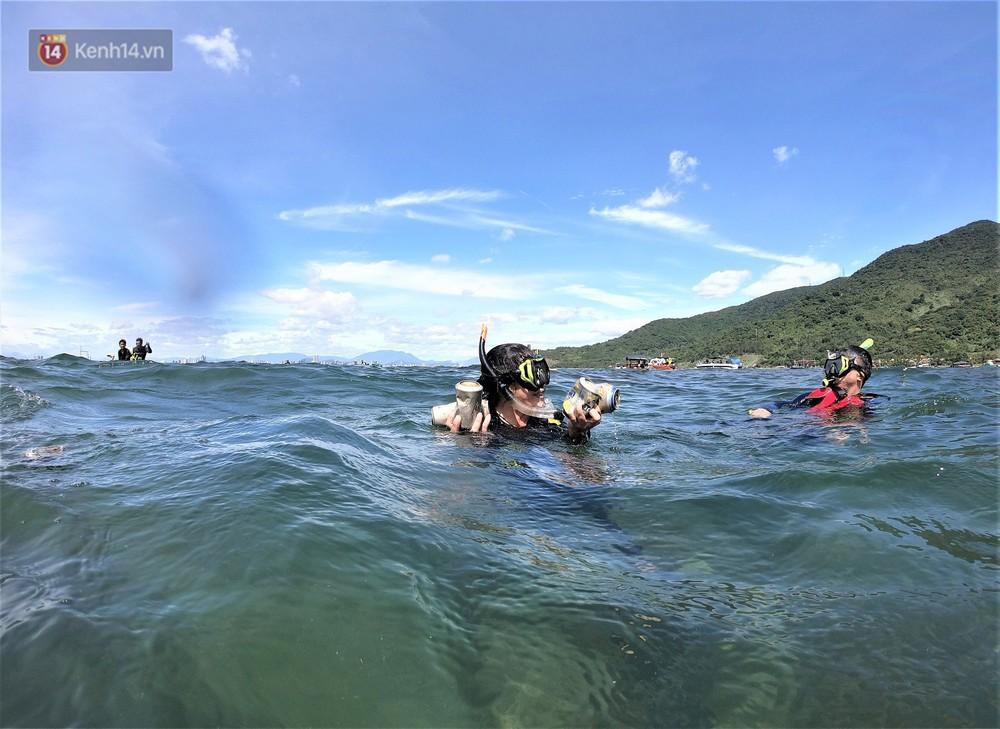 Gặp anh giám đốc mê nhặt rác ở Đà Nẵng: 10 năm dọn vệ sinh không công dưới đáy biển - Ảnh 14.