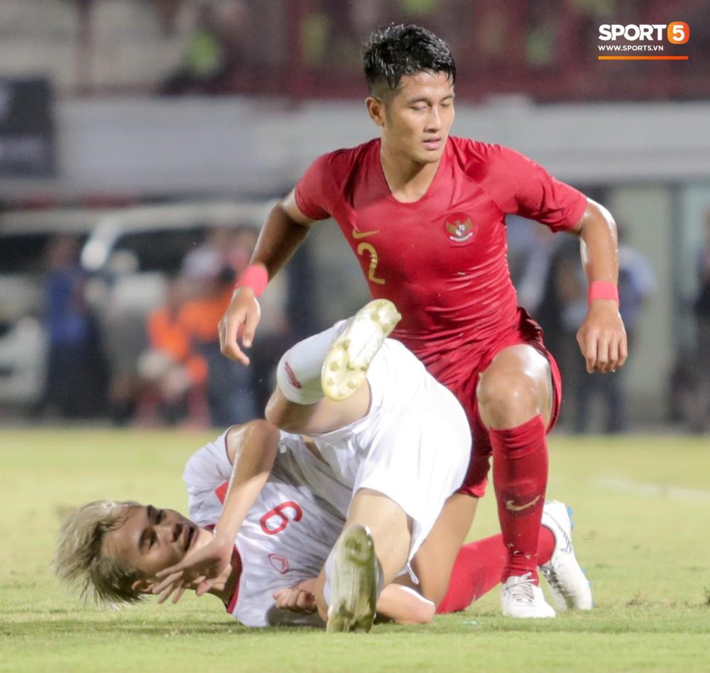Bị thầy Park quát nạt ngay trên sân, tiền đạo trẻ tuyển Việt Nam từ vô hại hoá tay săn bàn đẳng cấp - Ảnh 10.