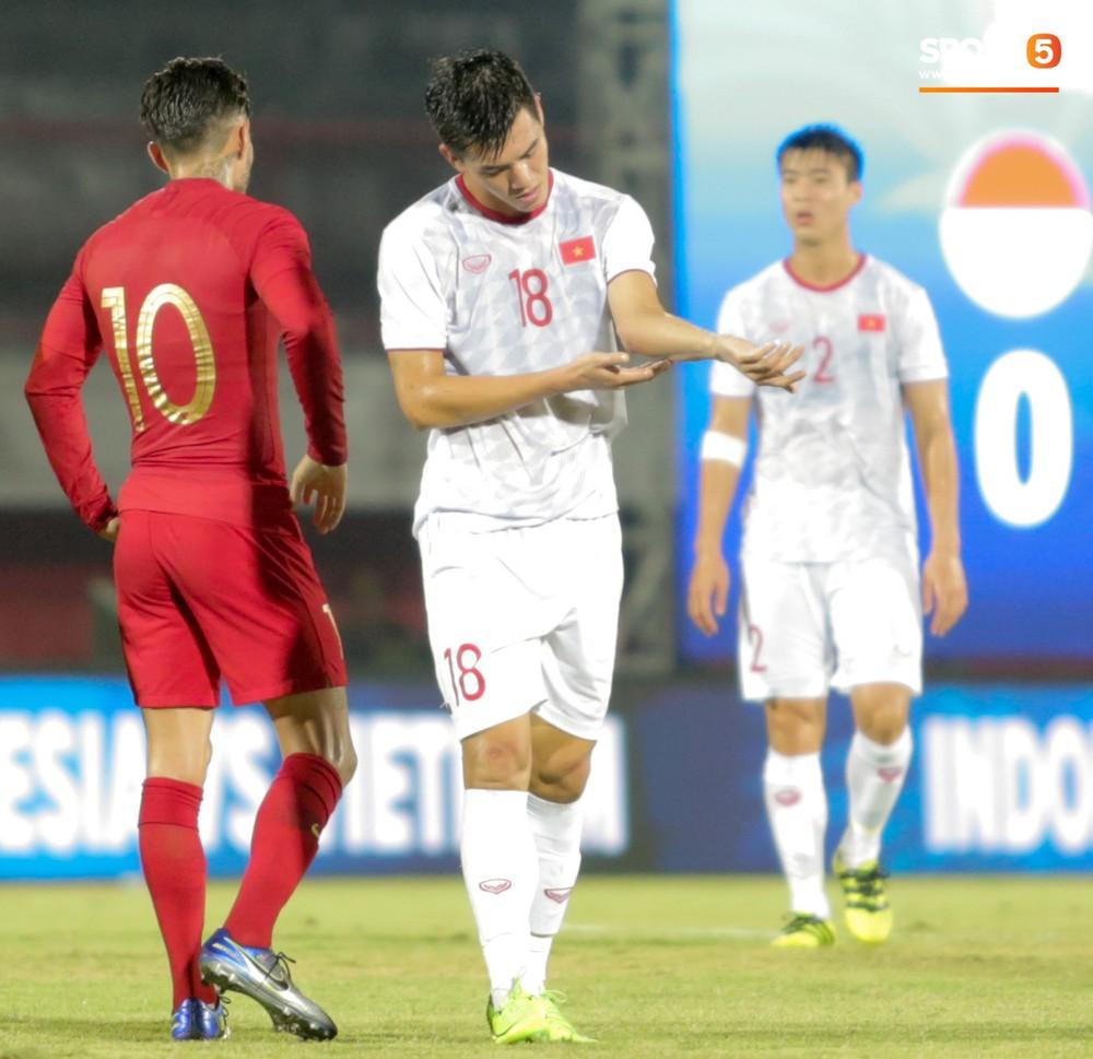 Bị thầy Park quát nạt ngay trên sân, tiền đạo trẻ tuyển Việt Nam từ vô hại hoá tay săn bàn đẳng cấp - Ảnh 3.