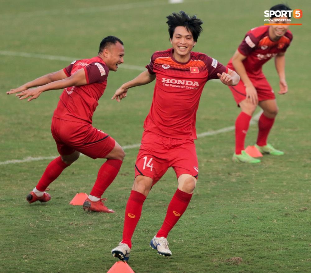 Tuấn Anh bị Đức Huy bắt nạt, đuổi khỏi vị trí ở trò chơi gây mất tình anh em tại tuyển Việt Nam - Ảnh 5.