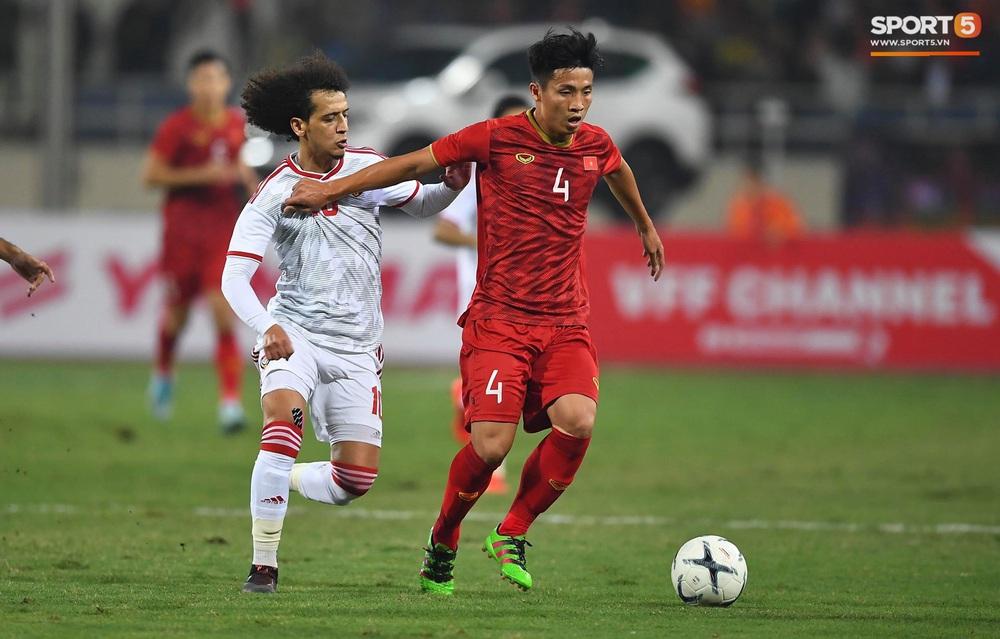 Tuyển thủ Việt Nam tráo số áo đấu UAE: Đó là sự tinh quái của thầy Park - Ảnh 9.