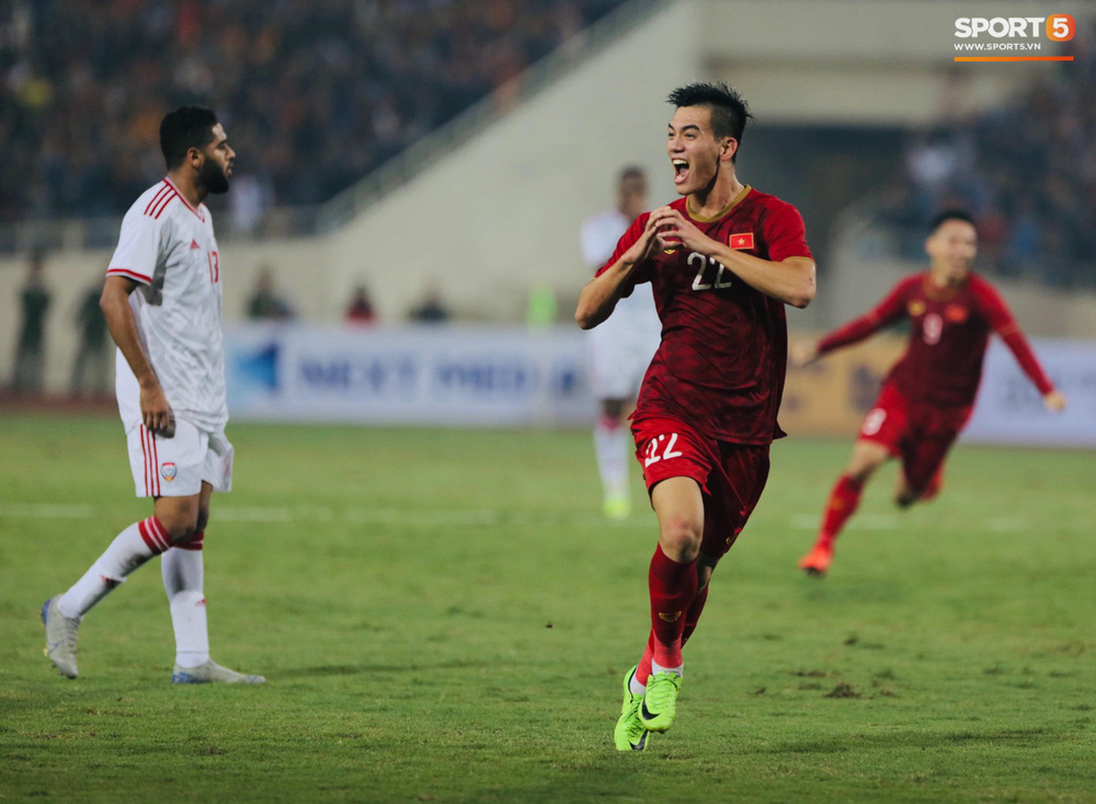Đôi chân pha lê Tuấn Anh vô hiệu hóa cầu thủ UAE hay nhất châu Á - Ảnh 11.