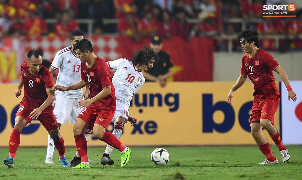 Đôi chân pha lê Tuấn Anh vô hiệu hóa cầu thủ UAE hay nhất châu Á - Ảnh 6.