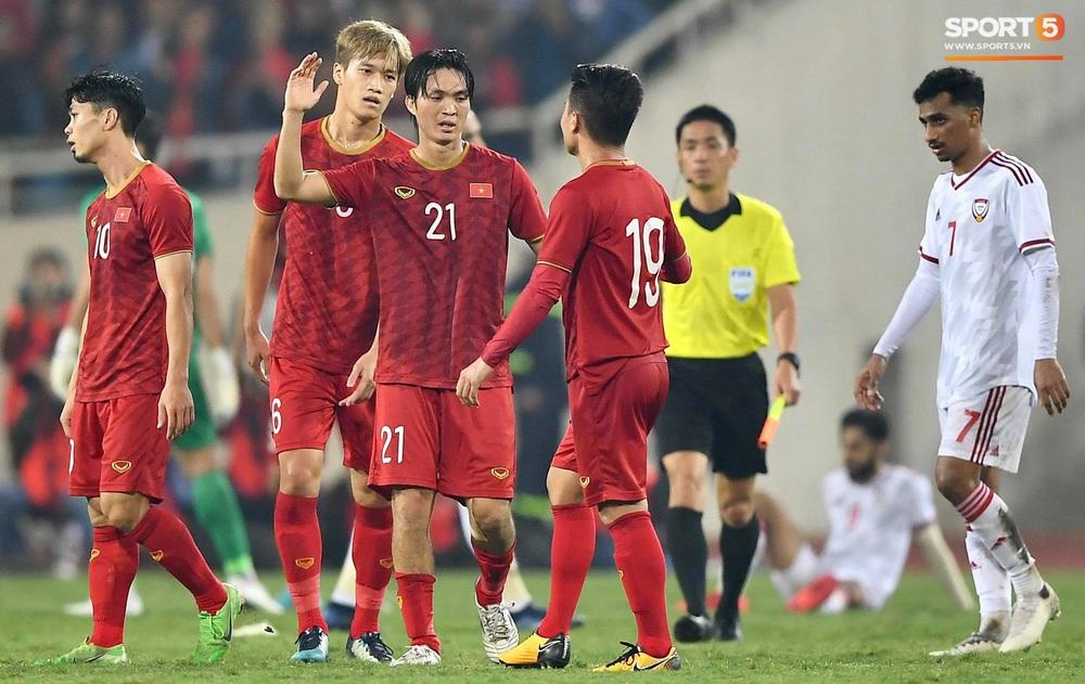 Đôi chân pha lê Tuấn Anh vô hiệu hóa cầu thủ UAE hay nhất châu Á - Ảnh 13.