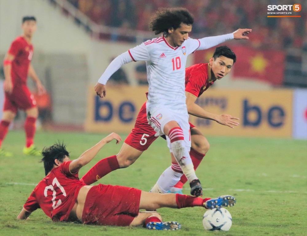 Đôi chân pha lê Tuấn Anh vô hiệu hóa cầu thủ UAE hay nhất châu Á - Ảnh 5.
