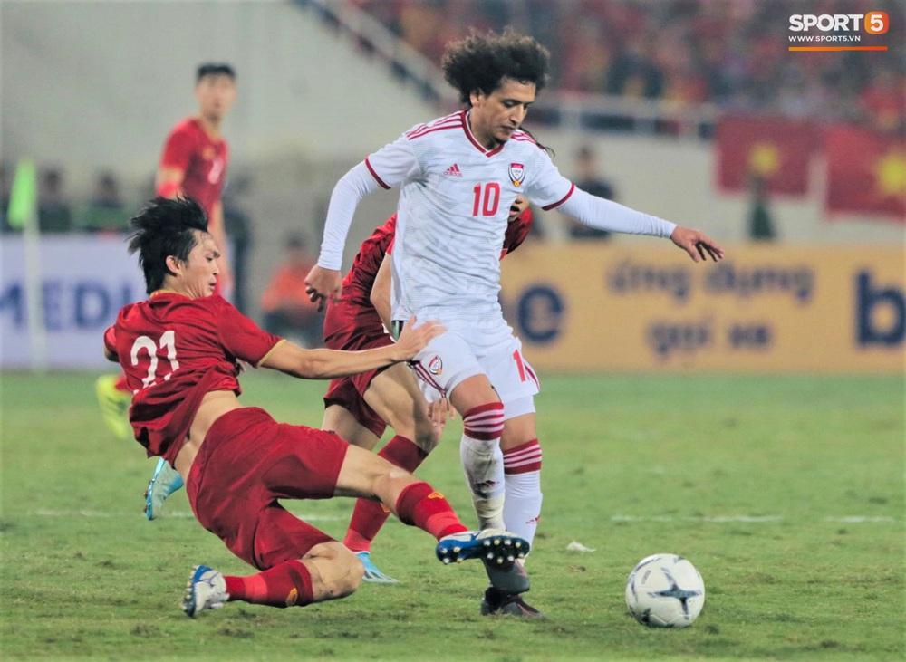 Đôi chân pha lê Tuấn Anh vô hiệu hóa cầu thủ UAE hay nhất châu Á - Ảnh 4.
