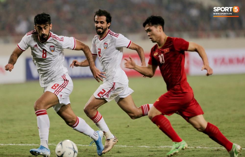 Công Phượng đi bóng như đâm vào tường, bất lực trước hàng thủ UAE - Ảnh 5.