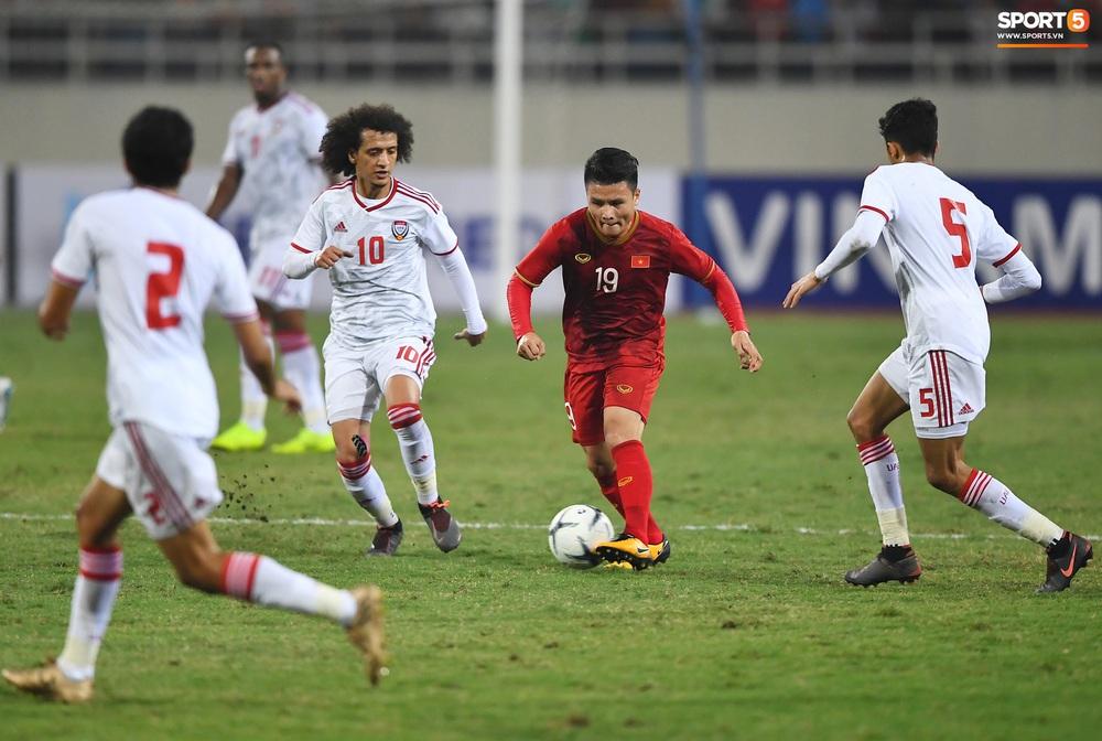 """Không trực tiếp ghi bàn, Quang Hải vẫn khiến hậu vệ UAE khiếp sợ với đôi chân """"ma thuật"""" - Ảnh 4."""