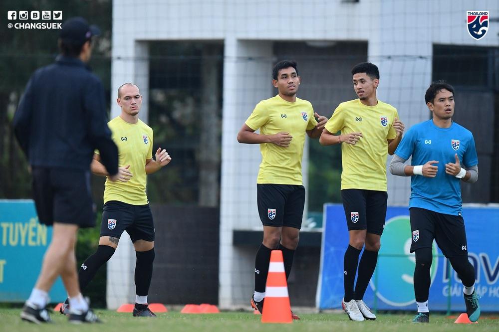 Messi Thái Chanathip tích cực tập luyện chuẩn bị cho màn tái ngộ đôi chân pha lê Tuấn Anh ở Vòng loại World Cup - Ảnh 7.