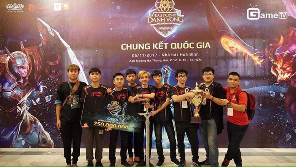 Team Flash vô địch, ProE đã khóc nhưng đó là giọt nước mắt hạnh phúc của kỷ lục gia vô tiền khoáng hậu trong nền Esports Việt - Ảnh 7.