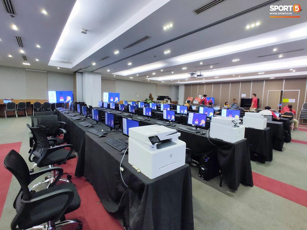 Trung tâm báo chí SEA Games 2019: Chủ nhà làm việc rất thủ công, nhiều công trình còn ngổn ngang, nhưng riêng canteen cho phóng viên thì xịn xò bậc nhất - Ảnh 11.