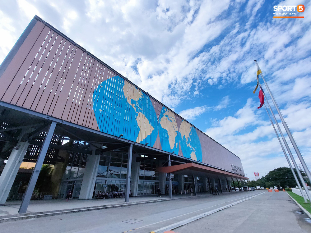 Trung tâm báo chí SEA Games 2019: Chủ nhà làm việc rất thủ công, nhiều công trình còn ngổn ngang, nhưng riêng canteen cho phóng viên thì xịn xò bậc nhất - Ảnh 2.