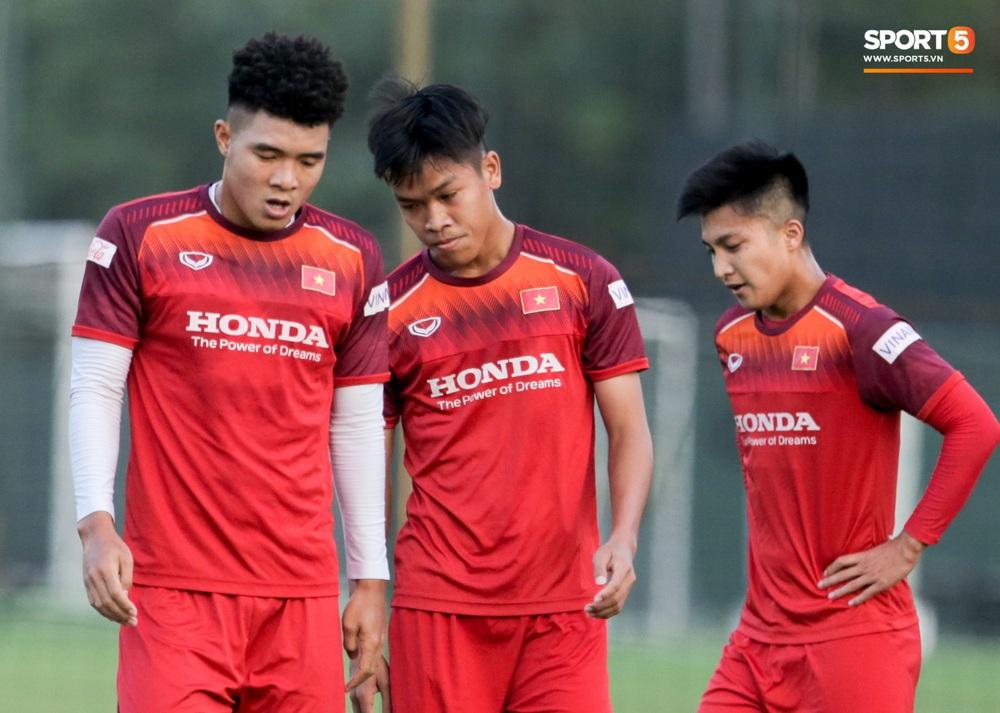 Tuyển thủ U22 Việt Nam từ cười sang mếu vì mục tiêu vượt qua lịch thi đấu hành xác tại SEA Games 2019 - Ảnh 5.